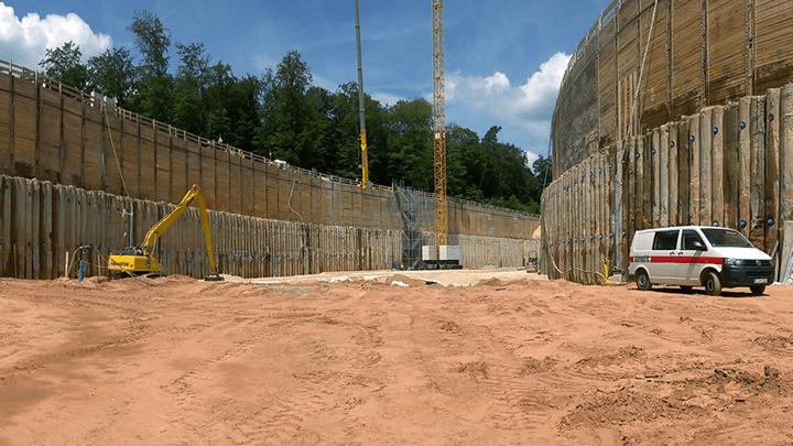 Vermessung von Baugruben und Geomonitoring durch Sensorik