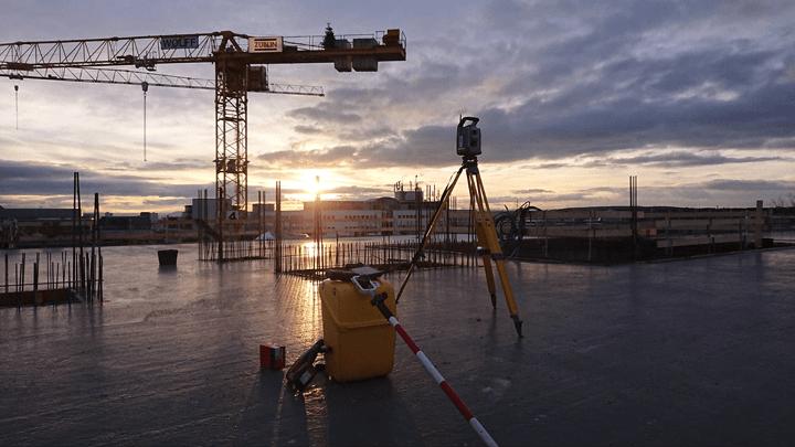 Vermessung von Hochbau-Projekten mit Geodädischen Raumbezug und baugeometrische Beratung