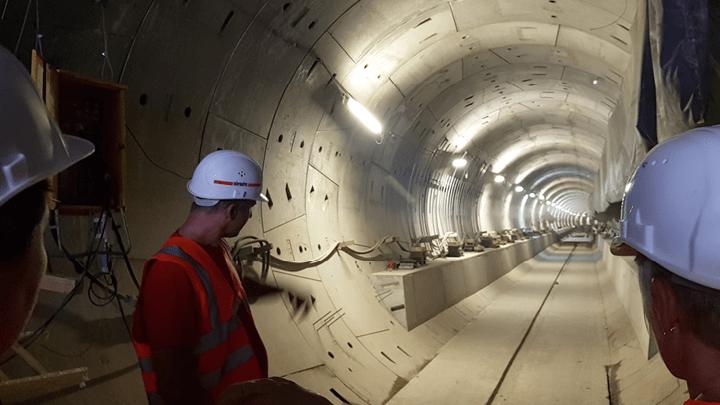Bauvermessung und Geomonitoring des Tunnelbaus einer U-Bahnstrecke